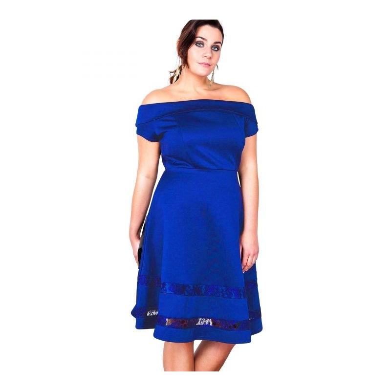 "robe grande taille - robe de cocktail style bardot ""studio"" Lili London coloris bleu (porté face)"