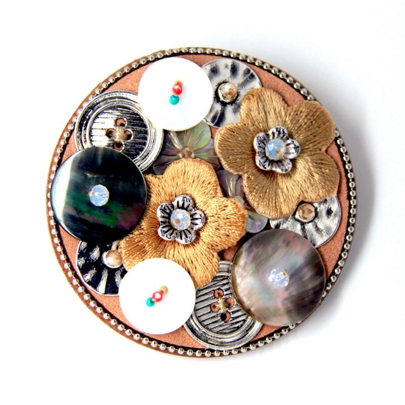 Broche fleurs et boutons brodée Lol bijoux 6.5cm diametre